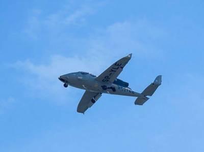 پولینڈ:دنیا کے سب سے چھوٹے جیٹ طیارے کی پہلی اڑان