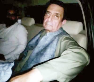 رینٹل پاور کیس: نیب نے سابق سیکرٹری پانی و بجلی شاہد رفیع کو گرفتار کرلیا