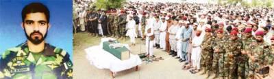 گوادر حملے میں شہید 2 سکیورٹی گارڈ نیوی کمانڈو آبائی علاقوں میں سپرد خاک