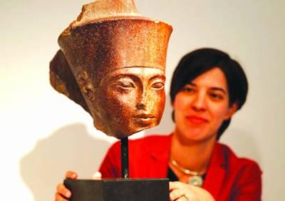 فرعون کے 18 ویں خاندان کے بادشاہ کا نصف مجسمہ 95 کروڑ میں فروخت