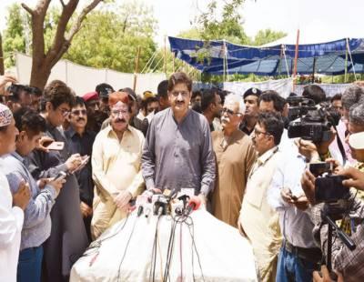 پی ٹی آئی حکومت عالمی حالات سے بے خبر' سیاسی قیادت کے پیچھے پڑی ہے: وزیراعلیٰ سندھ