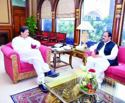 مظفر آباد میں کل بڑا جلسہ ہو گا' اہل کشمیر کو بتانا ہے ان کے ساتھ کھڑے ہیں: عمران