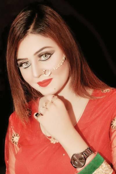 اداکارہ دیدارملتانی سٹیج ڈرامہ ''صنم میرا چور '' میں مصروف