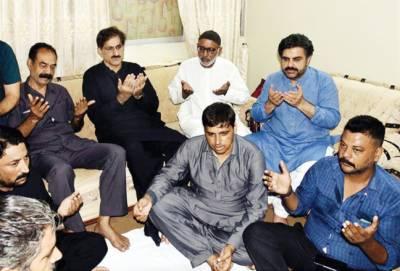 مراد علی شاہ میجر عدیل شہید کے گھر گئے' اہلخانہ سے تعزیت' فاتحہ خوانی کی