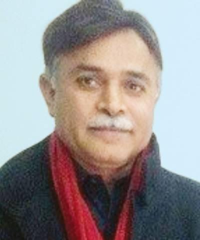 عمران خان جھوٹوں کو کنٹرول کرنے کیلئے کنٹرول روم بنائیں:اختر اقبال ڈار