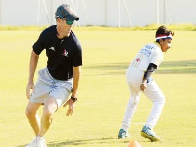 جنوبی افریقن سابق کرکٹر جونٹی رہوڈز پاکستانی کھلاڑیوں کو گر سکھانے لگے