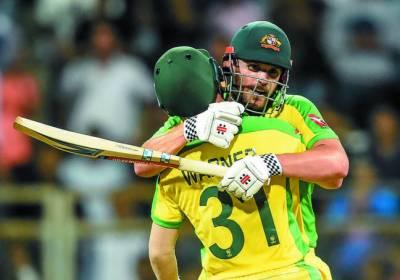 پہلا ون ڈے، آسٹریلیا نے بھارت کو 10 وکٹوں سے ہرا دیا