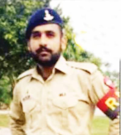 سوات آپریشن میں شہید جوان فوجی اعزاز کیساتھ بھلوال میں سپردخاک