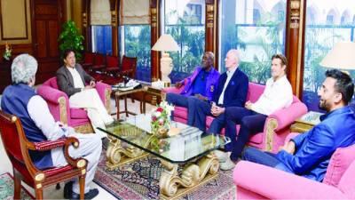 وزیراعظم سے ویوین رچرڈز، گریگ چیپل'شین واٹسن کی ملاقات