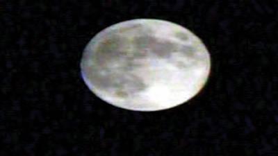 سال کا دوسرا چاند گرہن'پاکستان سمیت دنیا بھر میں دیکھا گیا