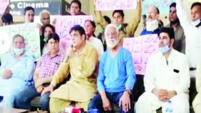 فاقوں پر مجبور 'حکومت تھیٹر کھولے 'فنکاروں کا مطالبہ