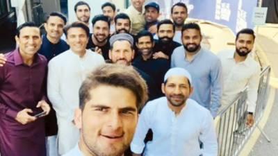 قومی کرکٹرز نے ڈربی شائر میں عید منائی، سرفراز احمد نے خطبہ دیا