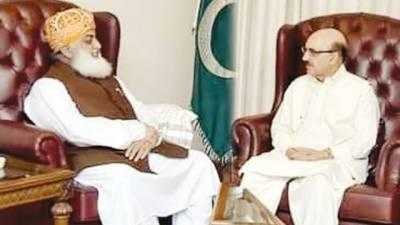 ڈیرہسردار مسعود سے ملاقات' جنگ جاری' دھاندلی کی پیداوار حکومت کو تسلیم نہیں کیا: فضل الرحمان