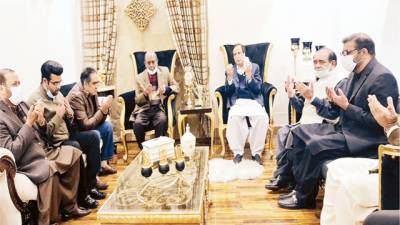 اعجاز شاہ کی ملاقات ، اپوزیشن کا کام تنقید، حکمران عوامی ریلیف کو ترجیح دیں : شجاعت