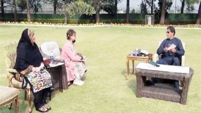 منصوبوں کی مقررہ مدت میں تکمیل یقینی بنائی جائے: وزیر اعظم