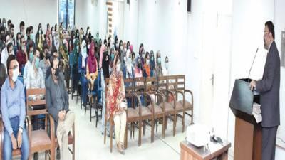 جامعہ کراچی 'مختلف شعبہ جات میں تعارفی کلاسز' تقریبات کا انعقاد