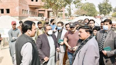 وفاقی وزیر داخلہ کا اصغر مال میں زیر تعمیر ماں بچہ ہسپتال کا دورہ
