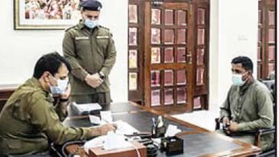 ڈی پی او خانیوال کی دفتر میں سائلین کی درخواستوں پر سماعت' احکامات جاری کئے