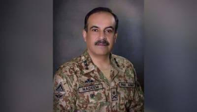 جنرل ندیم نے آرمی ائیرڈیفنس فائرنگ رینج کراچی کا دورہ کیا ہتھیاروں کا معائنہ