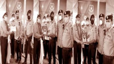 وفاقی پولیس کے دو انسپکٹرریٹائر،پورے اعزاز کے ساتھ الوداع