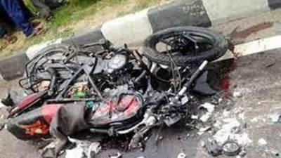 تیز رفتار ٹرک نے موٹر سائیکل سوار نوجوان کوکچل دیا'موقع پر جاں بحق