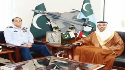 متحدہ عرب امارات کے سفیر کی سربراہ پاک فضائیہ سے ملاقات، مبارکباد پیش