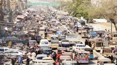 کراچی کی اہم شاہراہوں پر ٹریفک جام' منٹوں کا سفر گھنٹوں میںطے