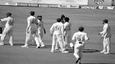 پاکستان کو ٹیسٹ سریز جیتنے کے لئے فقط ایک وکٹ درکار